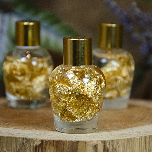 Sparkling Gold Flakes