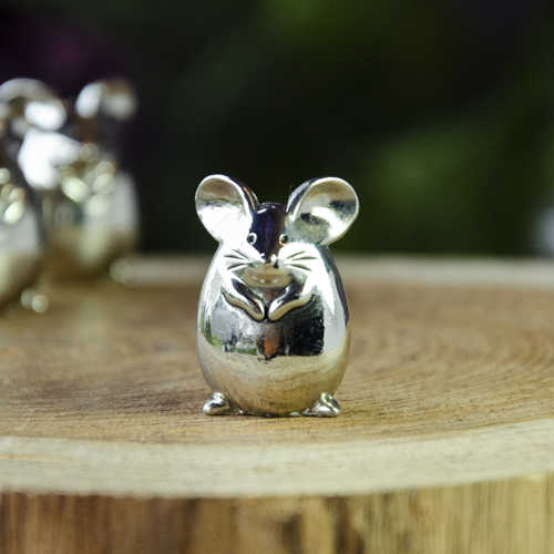 Cheerful Little Mouse Charm at DreamingGoddess.com
